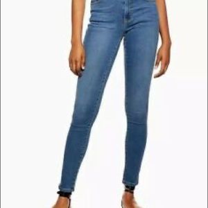 Topshop • Leigh Light Wash Ankle Skinny Jeans